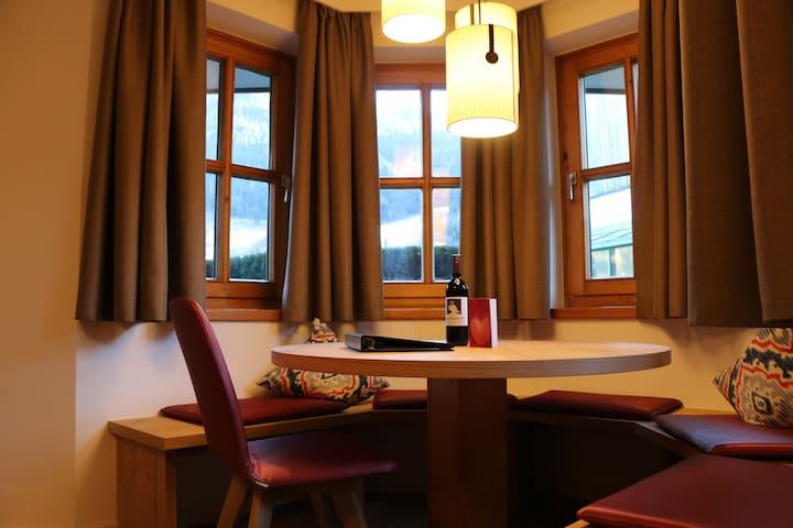 LuxusApartment mit Sonnenbalkon - Hinterglemm - Lägenhet