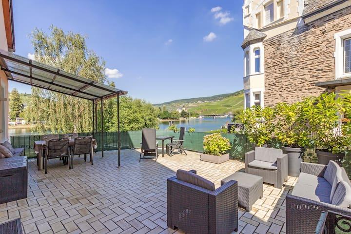 Ferienwohnung mit Moselblick und großer Terrasse - Bernkastel-Kues