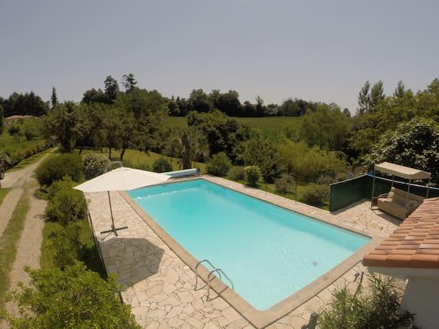 Maison avec piscine chauffée - Castelnau-Chalosse