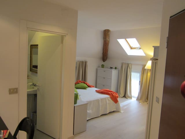 Apt close to Bernina train station - Tirano - Hus