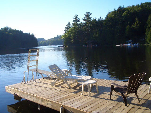Blackstone Lake Cottage - Parry Sound - Stuga