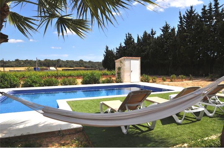 Private villa, salt pool, bikes, Play Station 3 AC - Biniali - Hytte (i sveitsisk stil)