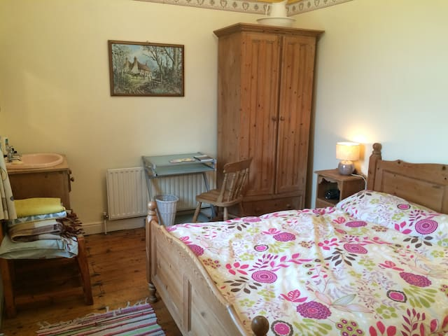 Double Bedroom in Traditional Music Farmhouse  ♪ - Corofin - 통나무집
