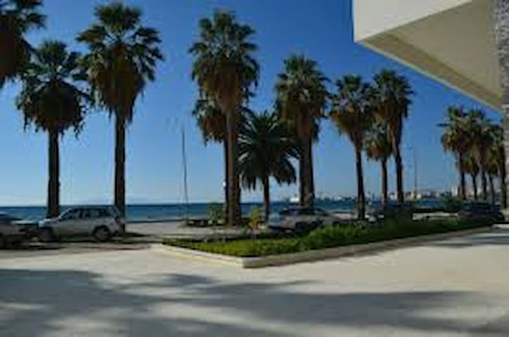 Furnished Studio flat close to  sea and the city - Vlorë - Apartament