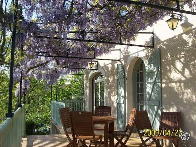 Entre vignoble et ville - chambre - Cahors - Casa