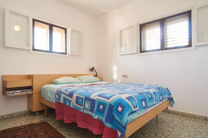 Cozy room in central Israel - Kfar Shmuel - Hus