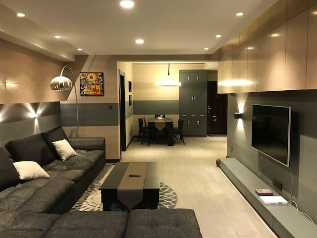 Luxury 2-Bedroom Suite Advanced CBD District - Zhengzhou Shi - Byt