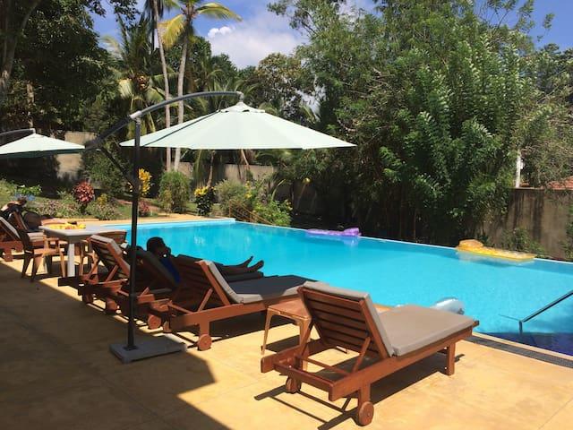 Jungle oasis with pool and garden - Hikkaduwa