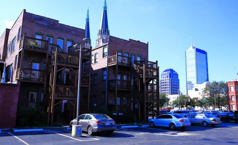 Cozy 1BR Apt - Mass Ave with Outdoor Space - Indianapolis - Appartement