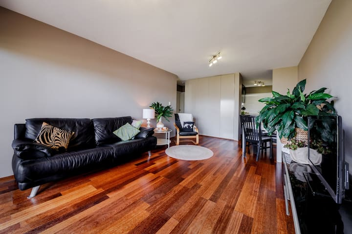 Gorgeous 1 Bed Unit,10 min to Airport,8km to City - Nundah - Appartement