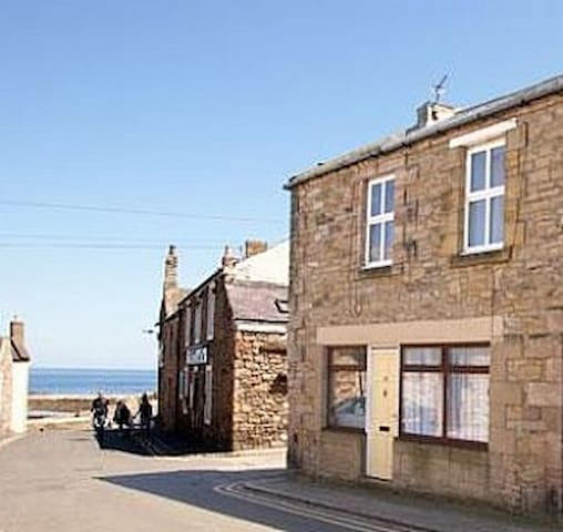 Harbour Snug Seahouses, close to the sea. - Seahouses - Byt