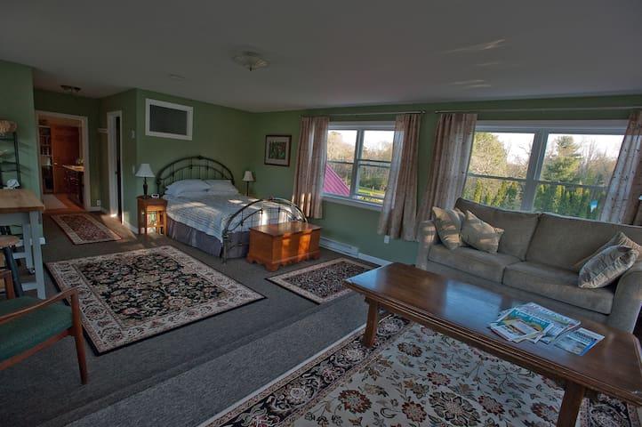 The Lookout Suite - Brookfield - Bed & Breakfast
