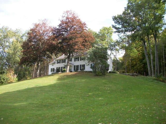 Hidden Hills Executive home over 4000sq ft Classic - Norwich - Hus