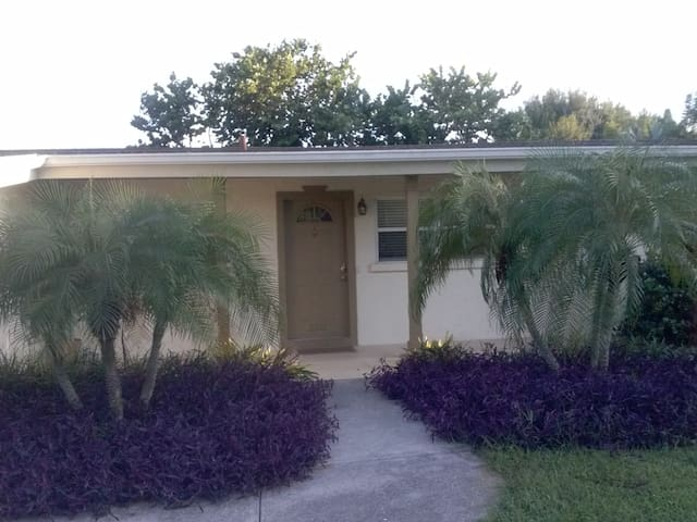 Private Suite Close to Siesta Beach - Sarasota - Dom