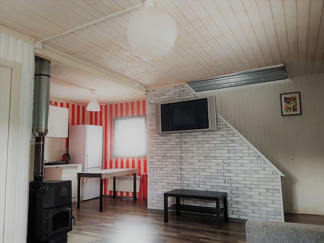 Уютный 2-х этажный домик в черте города - Lyubertsy