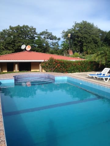 House with the pool in unique place - Nambí de Nicoya - Hus