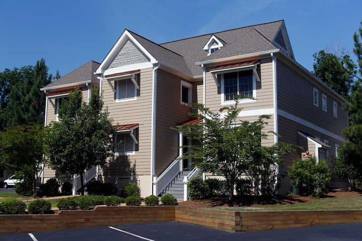 Classy Vacation Rental (2bdrm&den) @ King's Creek! - Williamsburg - Appartement