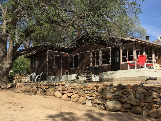 Comfortable Kern River Valley Cabin - Wofford Heights - Dom