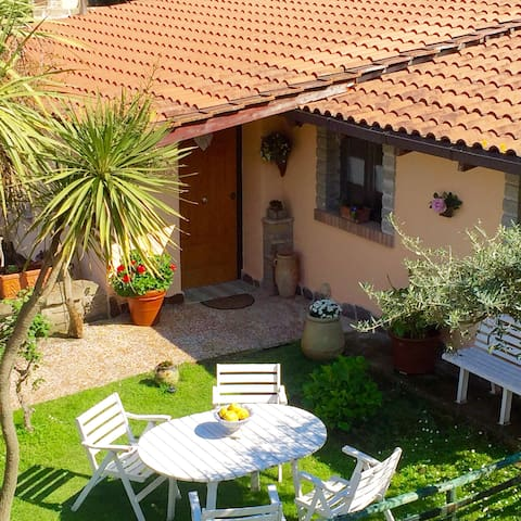Beautiful Cottage  with lake view - Vigna di Valle - Rumah