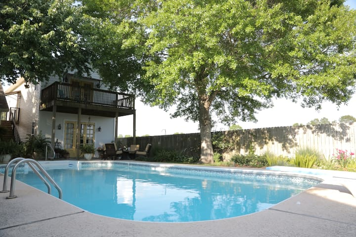 Private & Charming Pool House - Rayne - Huis