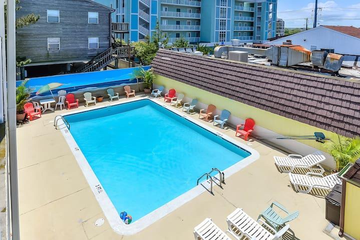 steps from beach, efficiency condo, outdoor pool - Ocean City