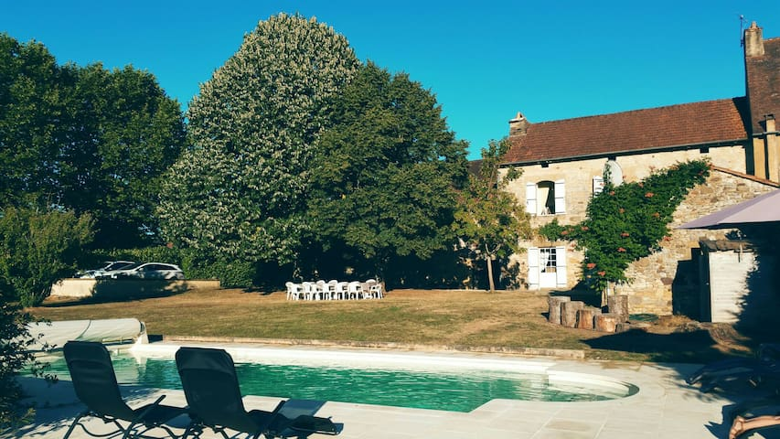 Villa familiale au cœur du Perigord - Saint-Laurent-la-Vallée - Huis