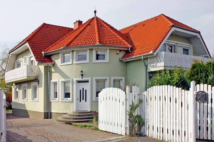 Apartman for 5 persons in quiet, nice area - Zalaegerszeg