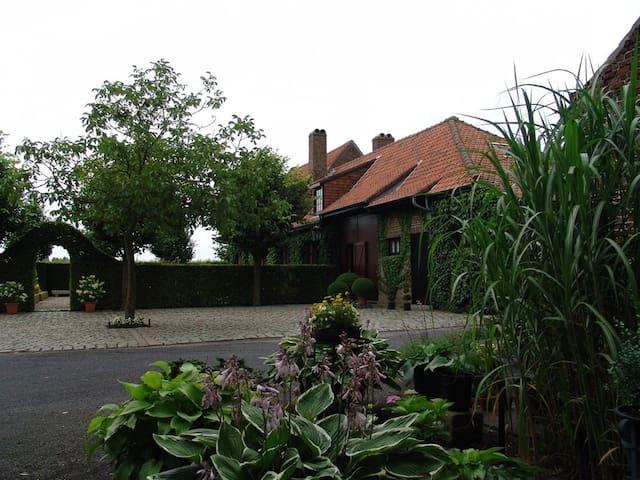 B&B De Potyze - Pagoda Corner - Ypres - Ypres - Bed & Breakfast