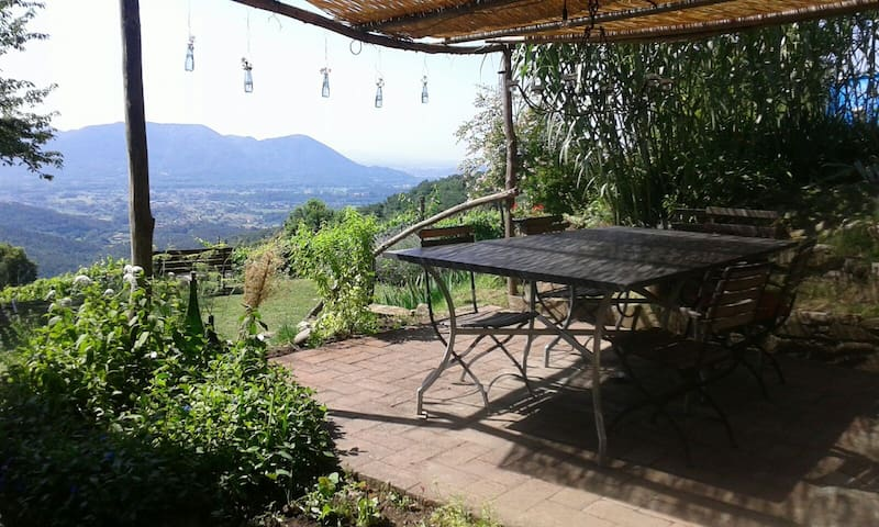 """A Tranquil farmhouse Lucca """"Gelsomino 133c"""" - Lucca - Bed & Breakfast"""