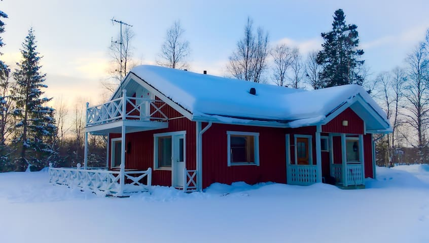 Nice house in a peaceful area, nearby Ivalo centre - Inari - Casa