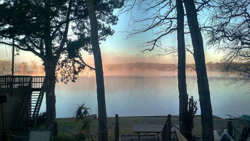 The Lakehouse - Normangee - Casa
