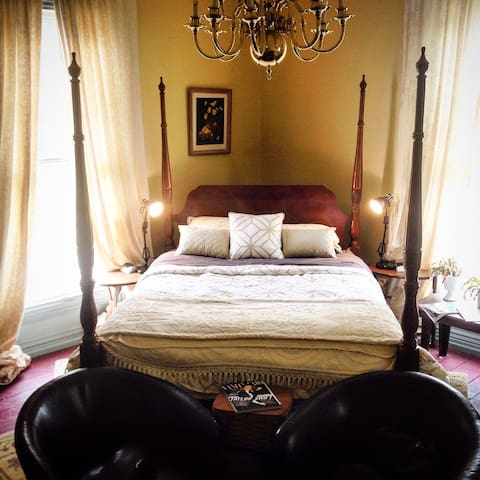 Luxury Two Bedroom Suite in Historic Home - Searsport - Rumah