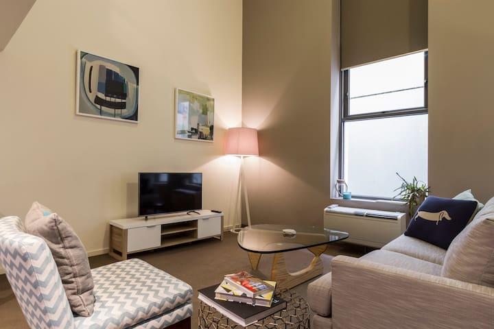 Chic styled loft in Degraves Street - Melbourne - Loft