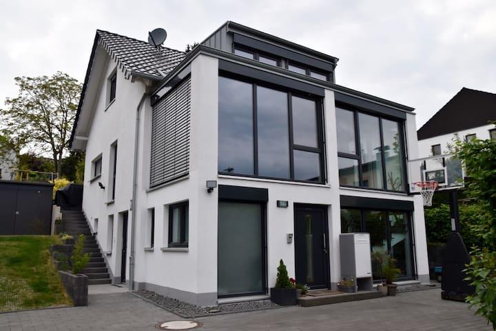 Your Home Away - Bonn - Lägenhet