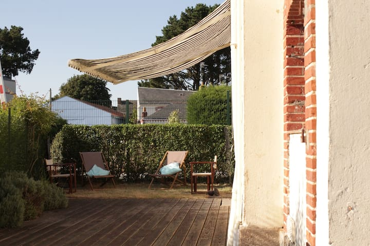 Lovely Former Gatekeeper's House - Les Moutiers-en-Retz  - Hus