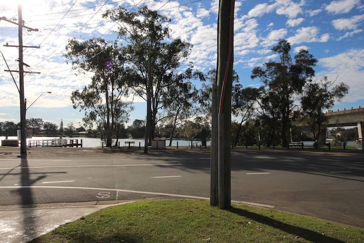 Cottage by the River - Tweed Heads South