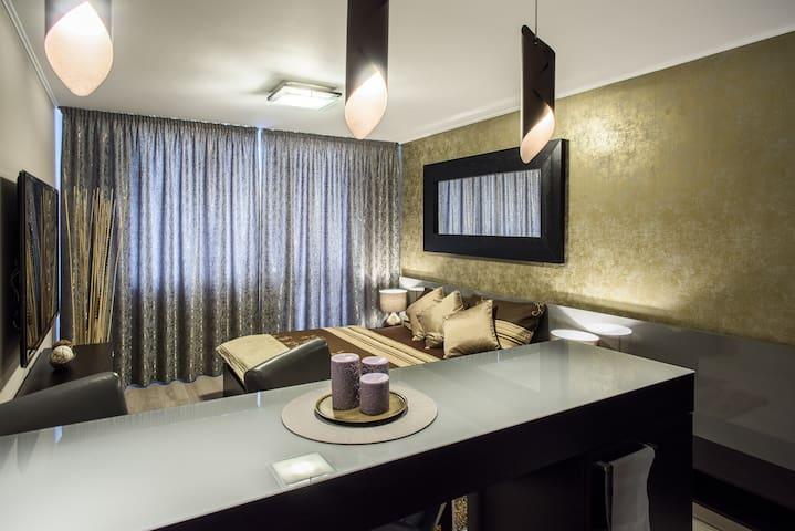LUXURY APPARTAMENTO SABINA, WIFI GRATIS, BALCONE - Ostrava - Appartamento