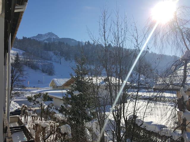 Chic, central, quite, near Ski lift! - Sankt Johann in Tirol - Lägenhet
