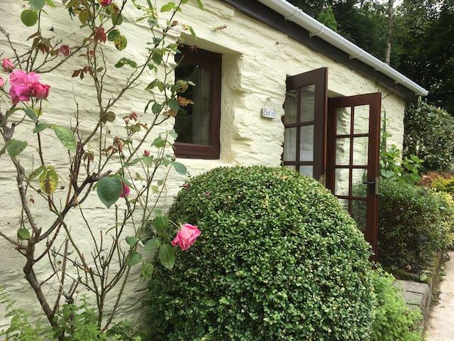 Converted stable in rural gardens - Liskeard
