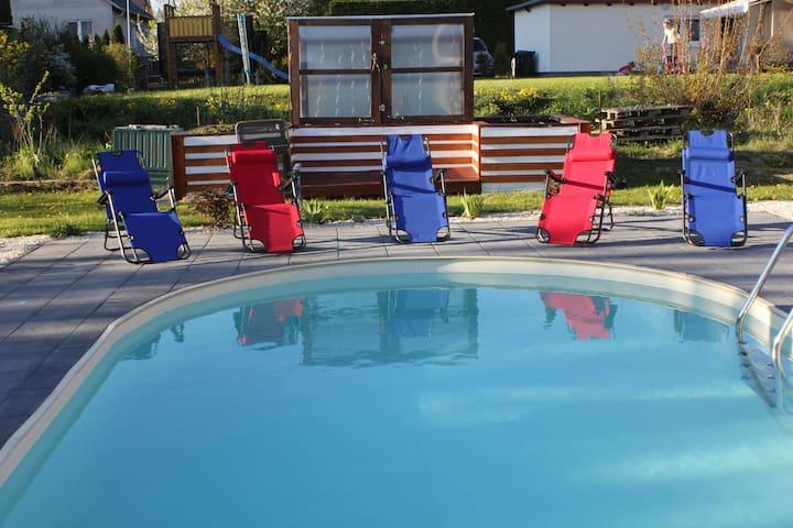 Moderne EG-Ferienwohnung mit Pool in Schwerin - Schwerin