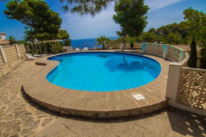 Casa luminosa con piscina y vistas al mar, playas - Javea - Huis