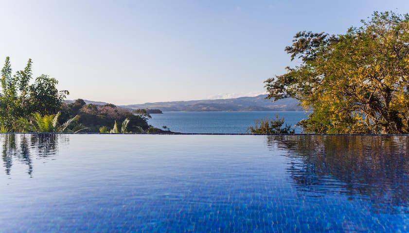 Luxury on Lake Arenal - Tilaran