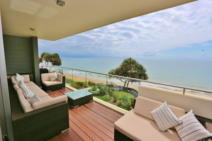 Gorgeous Beach Front Apartment - Bargara