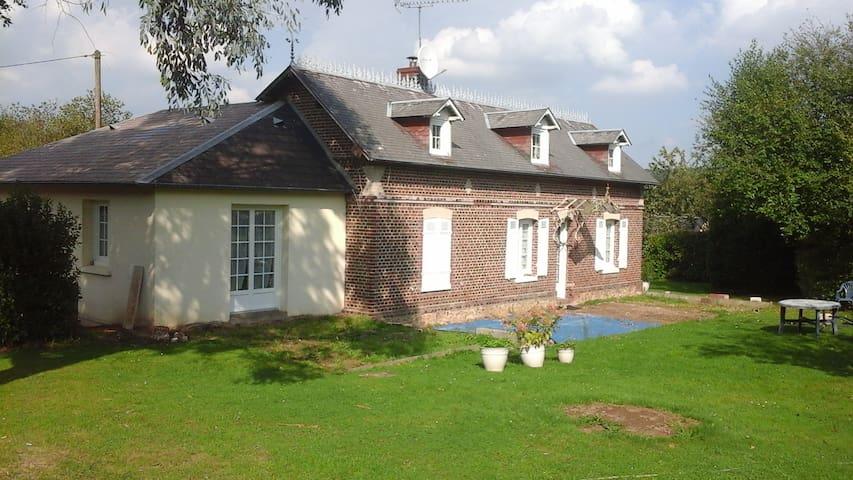 Normande atypique - Saint-Sulpice-de-Grimbouville