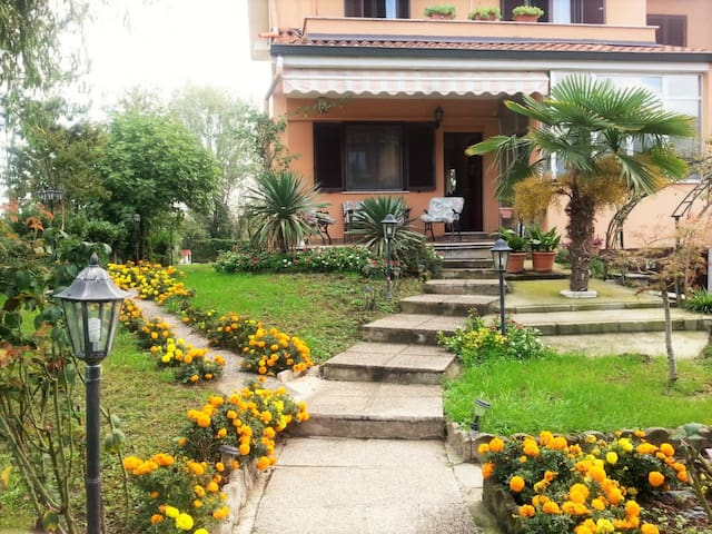 Villa Fiore: romantically in Milan - Quartiano, Mulazzano - 別荘