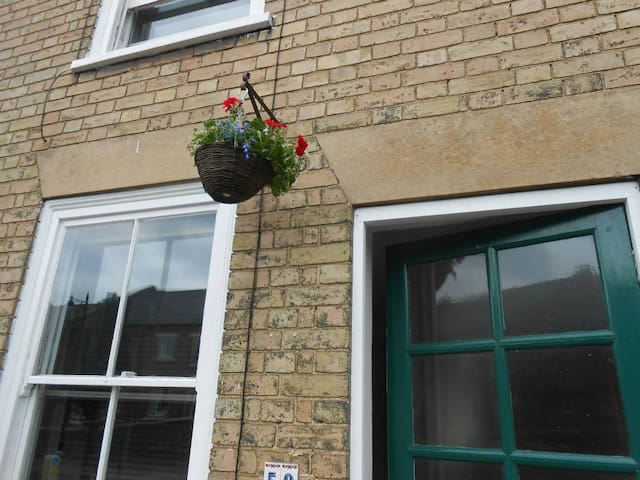 Victorian cottage centrally located to a quite twn - Bury Saint Edmunds - Daire