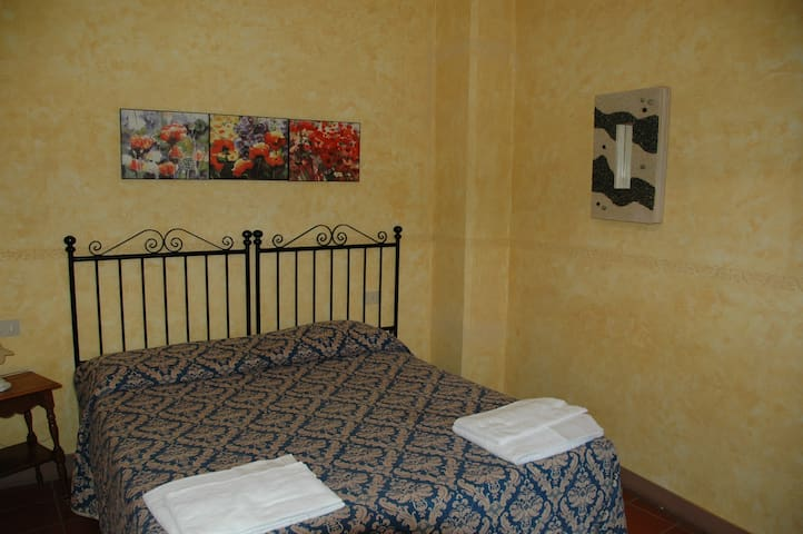 Apartament in Tuscan countryside - Palaia - Service appartement