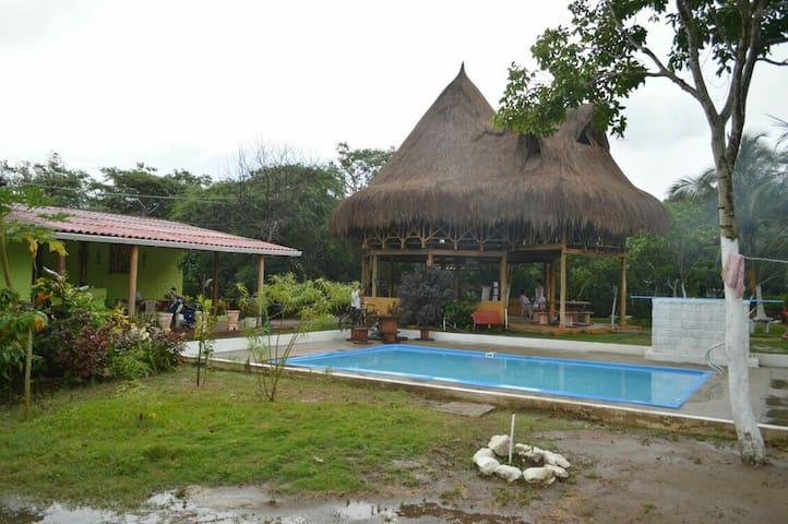 Hermosa cabaña piscina y parqueo - SANTA VERONICA - Cabaña