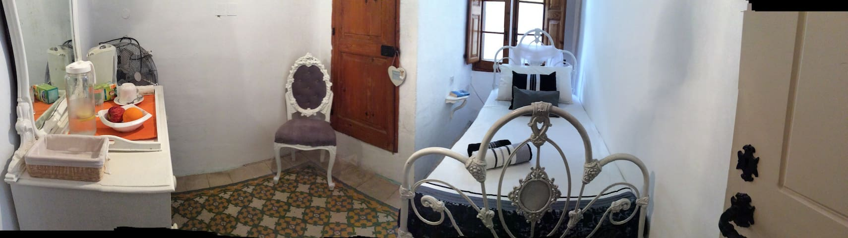 Cosy refuge for one! - Il-Gżira - Hus