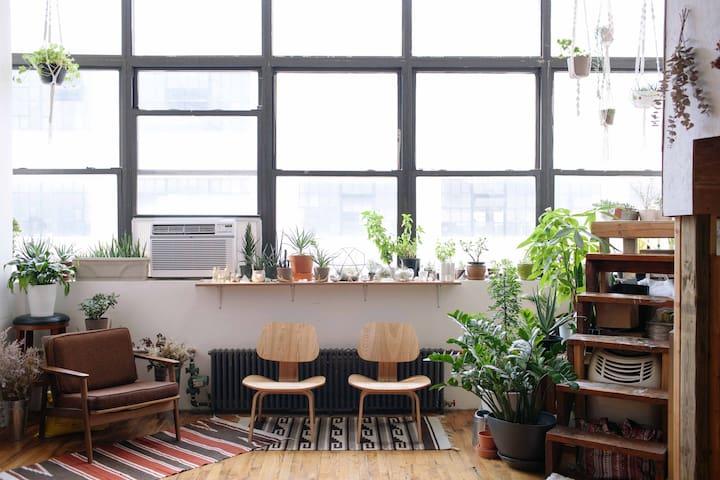 Bushwick Artist Loft - Zen Tree House Room - Brooklyn - Loft